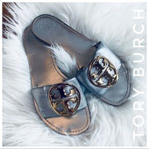 TORY BURCH slides in silver with gold emblem